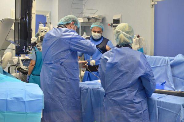 Interventie in premiera in Romania, la Spitalul Monza