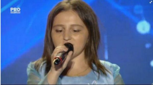 Elena Lucia Badut a fost trimisa direct in Semifinala emisiunii Romanii au talent