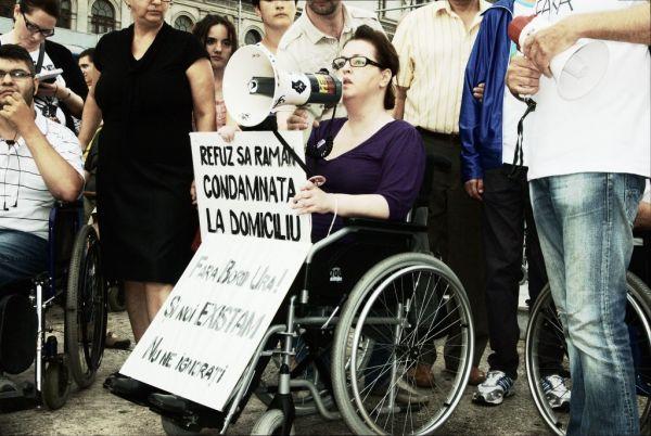 Indemnizatia persoanelor cu handicap ar putea creste