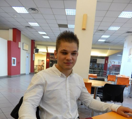 Este nevazator, studiaza la doua facultati si este vicecampion european la judo